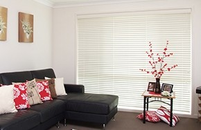 Blinds Flapping and Tapping